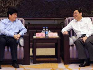 中国文联党组书记来湘调研文艺工作 杜家毫与李屹座谈